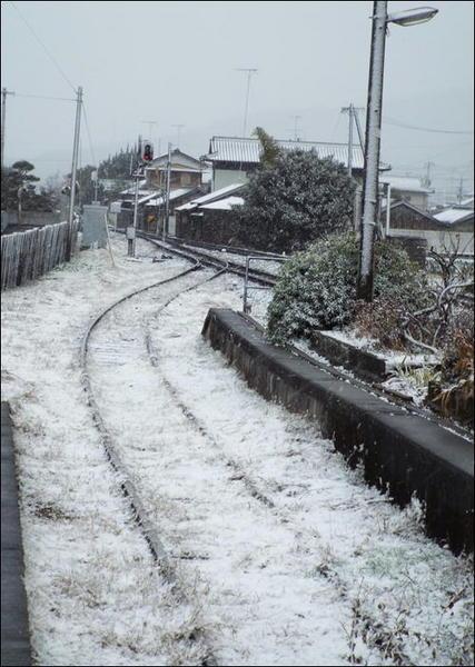 雪の学駅3.JPG